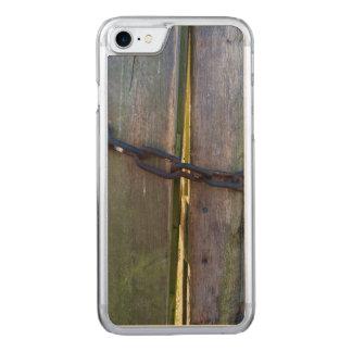Corrente na madeira capa iPhone 8/ 7 carved