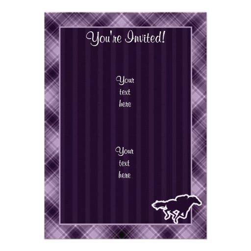 Corrida de cavalos roxa convite personalizados