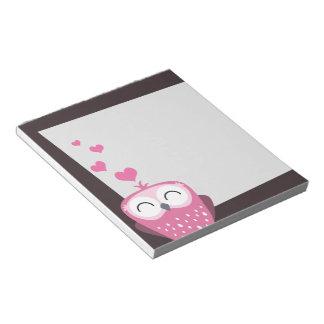 Coruja & bloco de notas cor-de-rosa dos corações