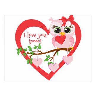 Coruja bonito do amor cartão postal