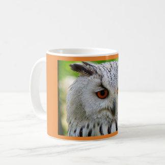 Coruja branca caneca de café