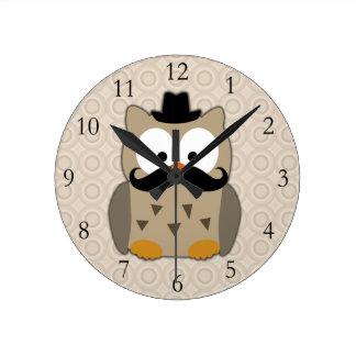 Coruja com bigode e chapéu relógios de paredes