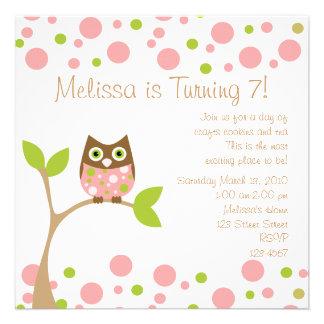 Coruja cor-de-rosa do bebê convites personalizados
