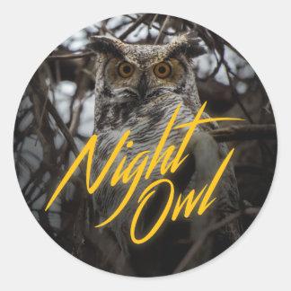 Coruja de noite - etiqueta retro do estilo