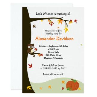 Coruja do outono no convite 5x7 do aniversário da