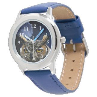 Coruja e lua azul relógio