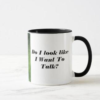 Coruja irritada nenhuma caneca de café de fala
