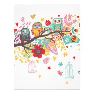 Corujas bonitos e fundo floral colorido da imagem papel de carta personalizados