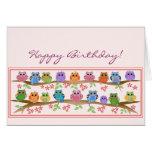 Corujas bonitos em brenches & em cartão de anivers