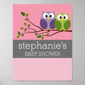 Corujas bonitos no rosa do chá do bebé do ramo poster