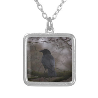 Corvo preto colar banhado a prata