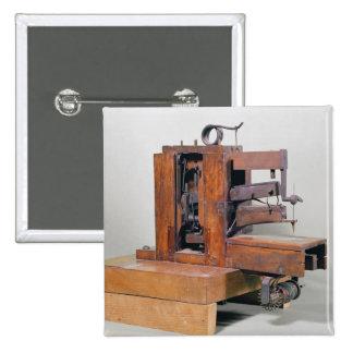 Couseuse', a primeira máquina de costura, 1830 bóton quadrado 5.08cm