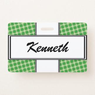 Crachá Fita verde do trevo por Kenneth Yoncich