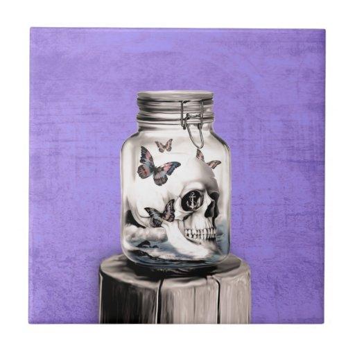 Crânio da borboleta no frasco. Pensamentos perdido Azulejos De Cerâmica