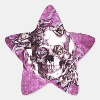 Crânio do fumo da ameixa com borboletas adesivo estrela