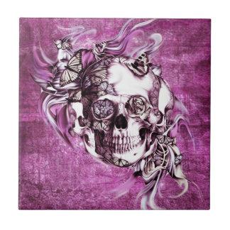 Crânio do fumo da ameixa com borboletas azulejos de cerâmica