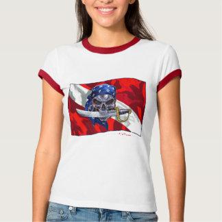 Crânio do pirata na bandeira do mergulho t-shirts