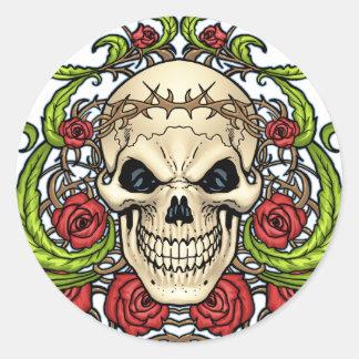 Crânio e rosas com a coroa de espinhos pelo Al Rio Adesivo Redondo