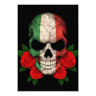 Crânio italiano da bandeira com rosas vermelhas convites personalizado