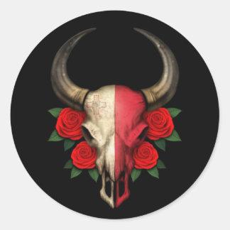 Crânio maltês de Bull da bandeira com rosas Adesivo