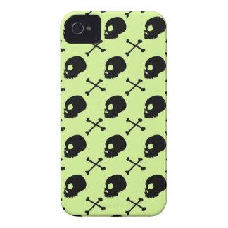 Crânio & ossos - verde Pastel desvanecido Capas Para iPhone 4 Case-Mate