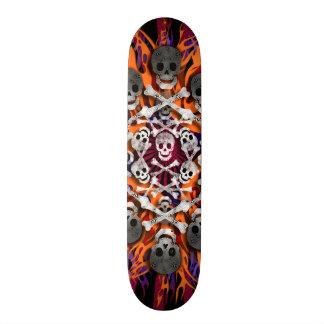 crânios e chamas shape de skate 20,6cm