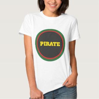 Credo do logotipo do pirata t-shirts
