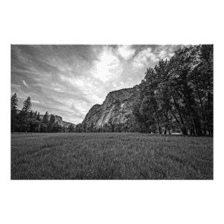 Crepúsculo dos prados de Yosemite preto branco