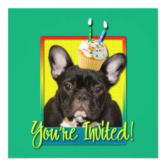 Criança de 2 anos do cupcake do convite - buldogue convite quadrado 13.35 x 13.35cm