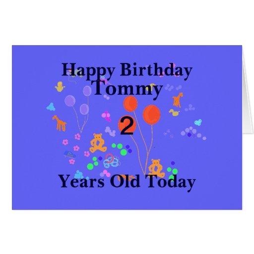 Criança de 2 anos do feliz aniversario cartão