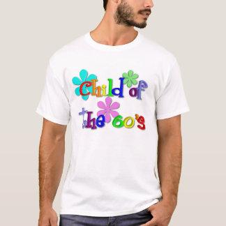 Criança do t-shirt dos anos 60 camiseta