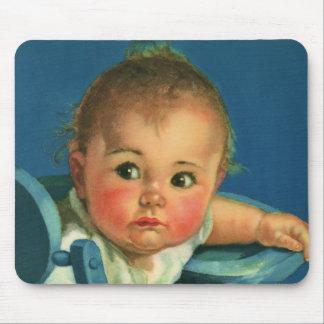 Criança do vintage, bebé bonito ou menina no mouse pad