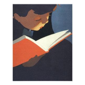 Criança do vintage que lê um livro de volta ao te convite personalizado