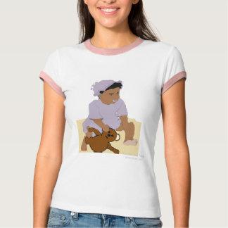 Criança e t-shirt do ursinho camiseta