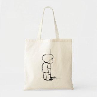 Criança no canto bolsas para compras