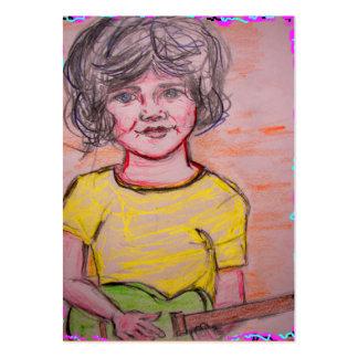 criança que joga a guitarra elétrica do brinquedo cartão de visita grande