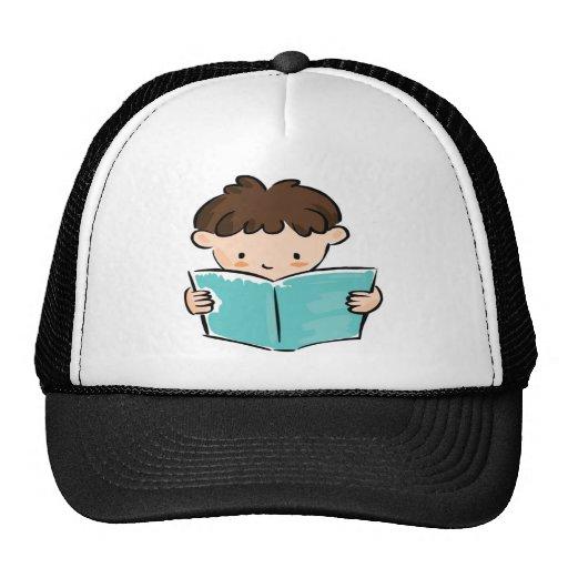 Criança que lê um livro bones