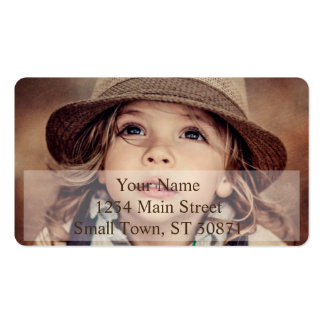 Criança que olha acima o retrato do vintage do cartão de visita