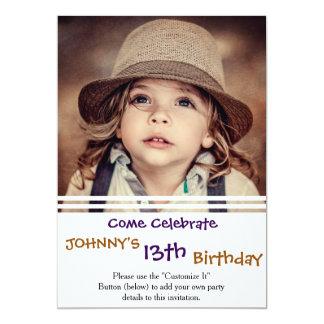 Criança que olha acima o retrato do vintage do convite 12.7 x 17.78cm