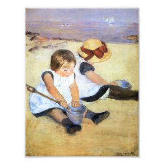 Crianças de Mary Cassatt que jogam no impressão da Impressão Fotográfica