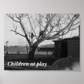 Crianças no jogo poster