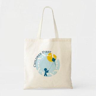 Crianças primeiramente bolsas para compras