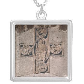 Cristo na majestade com símbolos do colar banhado a prata