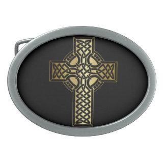 Cruz celta do nó no ouro e no preto