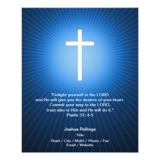 Cruz cristã no fundo azul panfleto personalizados