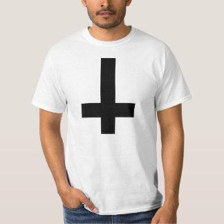 Cruz de cabeça para baixo camiseta