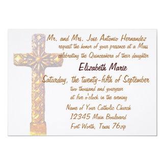 Cruz do ouro de Quinceanera Convite 12.7 X 17.78cm