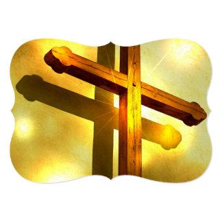 Cruz dourada convite 12.7 x 17.78cm