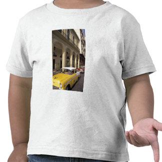 Cuba, Havana. Chevy colorido dos anos 50 Tshirts