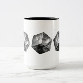 Cubo cósmico do espaço - preto e branco caneca de café em dois tons